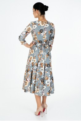 Romantic dress with roses