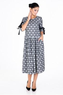 Dress with a geometric pattern